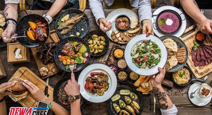 5 Dampak Buruk Makan Terlalu Cepat untuk Kesehatan